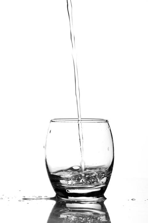Magyarországon érvényben lévő, az ivóvíz minőségi követelményeiről és az ellenőrzés rendjéről szóló 201/2001. X.25 kormányrendelet előírja az ivóvíz szolgáltatóknak az ivóvíz biztonsági terv elkészítését.